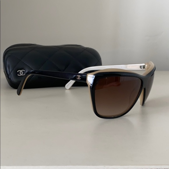Chanel two tone sunglasses/***Case NOT included*